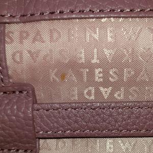 kate spade Bags - Kate spade Chester street avie crossbody